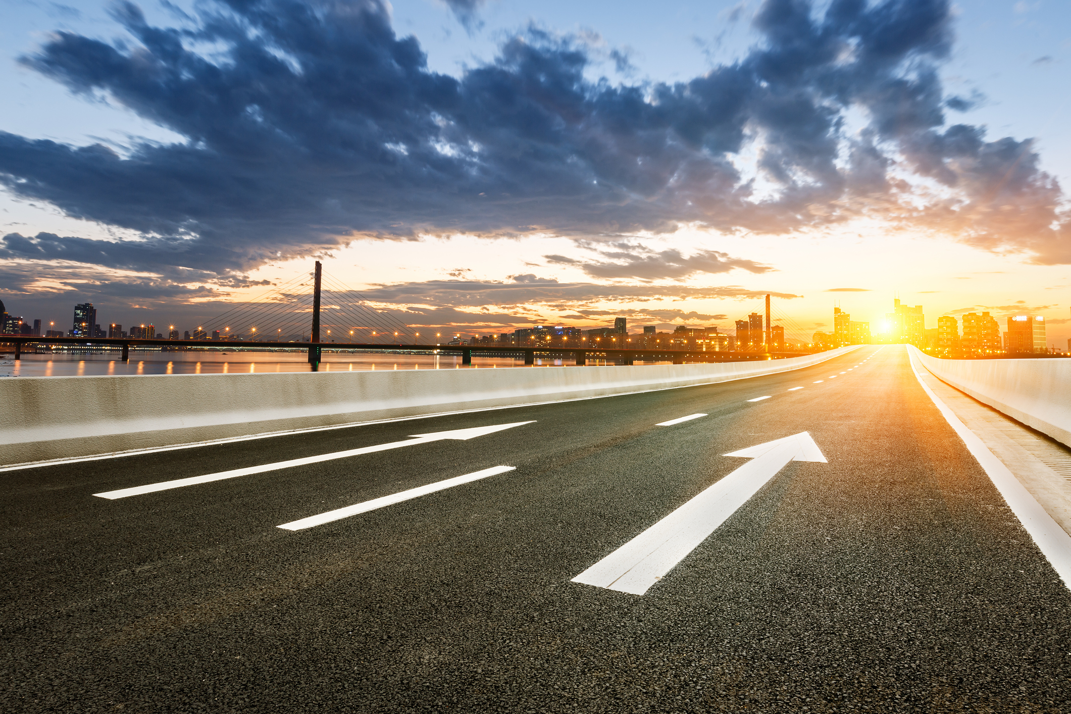 What challenges will the asphalt industry face?